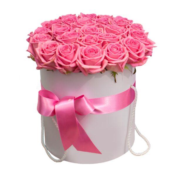 композиция с розовыми розами