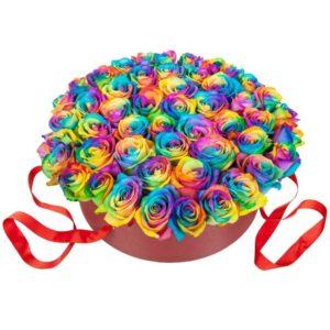 коробка с радужными розами